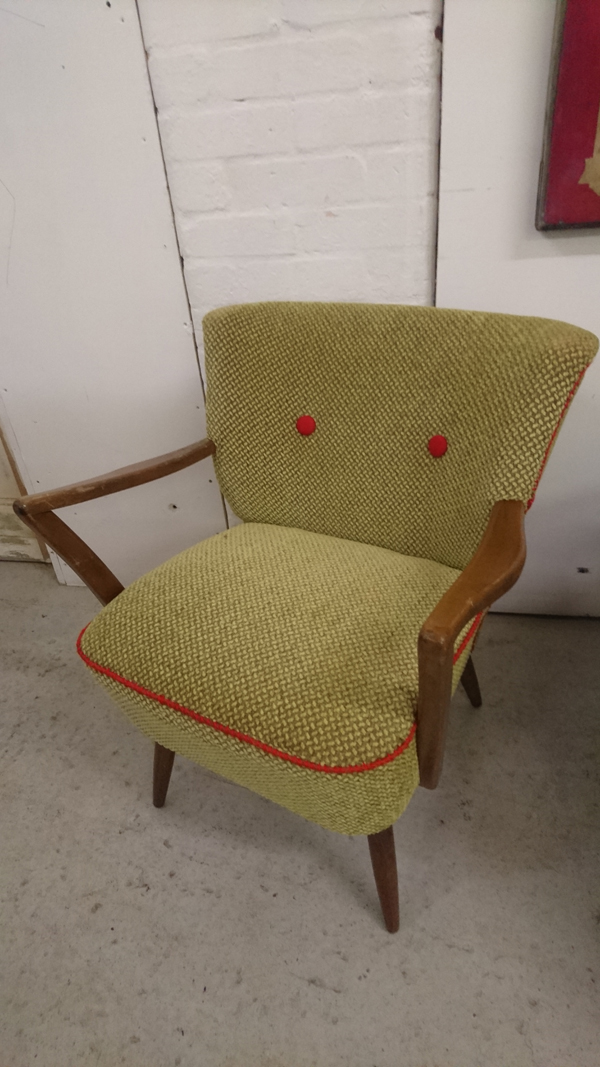 Giving Life To A Cocktail Chair Using Voyage Of JO-445